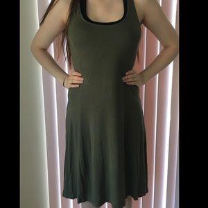 Dresses & Skirts - Beautiful Olive Midi Dress